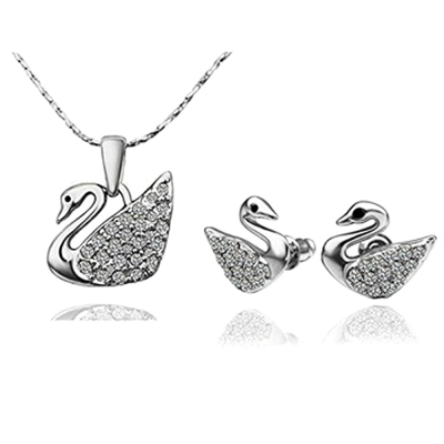 Habors 925 Sterling Silver Plated Austrian Crystal Swan Pendant and Earring Set (JFCOMD0436)
