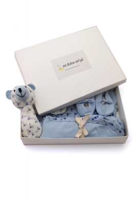 Blue blanket, onesie, cap, shoes, adjustable mittens and matching rattle 6pc gift set for infants