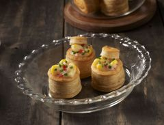 Vol-Au-Vents with Corn in cheese sauce