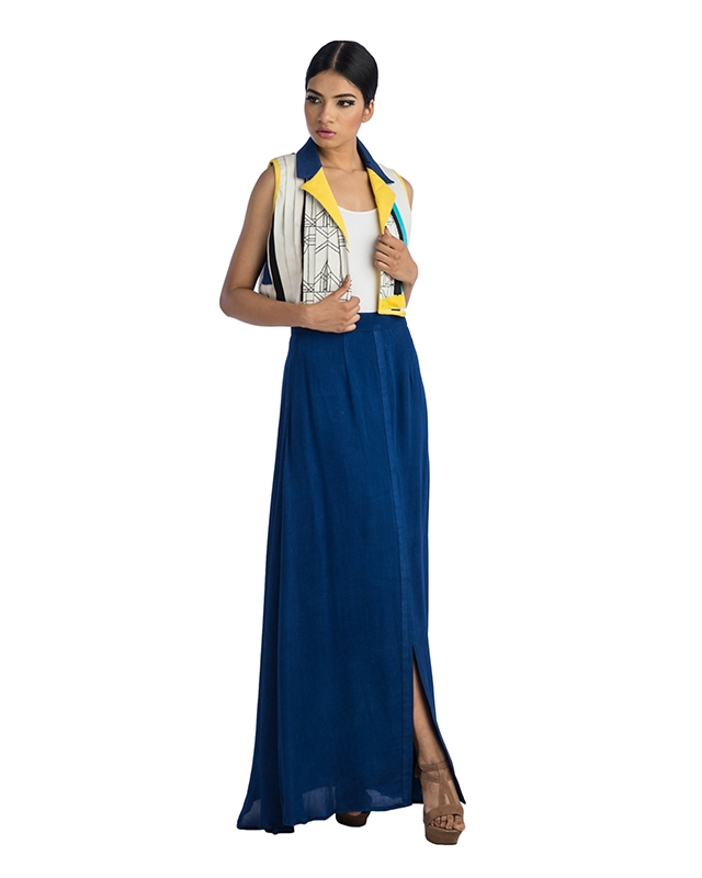 Pleated Shrug And Long Skirt With A Tie Up